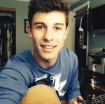 Wo lernte Shawn die Gitarre zu spielen?
