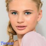 Teresa Banora. Auch bekannt als Vampyra. Eine Mörderin 👊😀