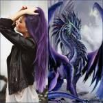 Name: Selena Spitzname: Lena Alter: 14 Geschlecht: W Reit Tier: Drache Aussehen: blau-lilanes langes Haar, stechende eisblaue Augen, schlank, sportlic
