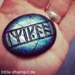 Mit welchem Versprechen an die Mutter nahm Kili den Runenstein mit auf die Reise?