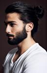 Name: Nekronor Alter: 16 Geschlecht: männlich Rang: Anführer Aussehen: schwarze lange Haare mit silbernen Strähnen die er meistens Zusammengebunden