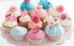 """Herzlich Willkommen bei """"Bake the cake""""! In dieser Bäckerei werden unsere Bäcker in drei Backgruppen eingeteilt: ((blue))-Team Cupcake((eb"""