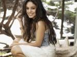 ((big)) 18. Amalia Jackson ((ebig)) Vorname: Amalia Nachname: Jackson Spitzname: Lia Kaste: 5 (Sängerin) Charakter: Lia ist freundlich und unkomplizi