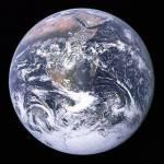 Die Erde besteht aus etwa 70% Wasser.