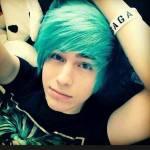((unli))Jacksony's Steckbrief((eunli)) Name: Zack Kage Alter: 17 Geschlecht: männlich Charakter: ruhig, abwesend und eher dunkel Aussehen: Bild