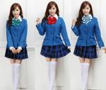 ((big)) ((bold)) Die Schuluniform ((ebig)) ((ebold)) Erst einmal die Schuluniform. Schüler des Teams Gemini (unterste Klassenstufe) tragen dazu die r