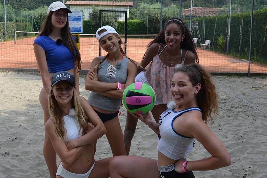 Mädchen Wg In Italien