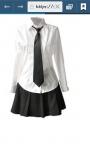 Uniformen: Nicht für Sport Mädchen: Schwarzer Rock zwischen knielang und Mitte des Oberschenkels Weisse Bluse Krawatte in pink, rot, oder orange sch