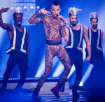 Prince wohnt in München und gibt auch Tanzunterricht.