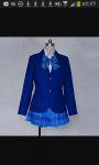 Das ist die Schuluniform der Mädchen zwischen 13 und 15 Jahren.