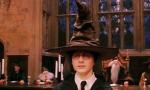 Ey *stößt an* du wurdest aufgerufen! Geh schon! 😘 (Zeitsprung) Sprechender Hut: Hm ... ich sehe, du bist?