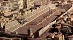 ((bold))Circus Maximus: ((ebold)) ((small))Info: Der Circus Maximus ist eine Arena die besonders auf Wagenrennen ausgesetzt ist. Hier dient sie dem Zw