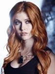 Wie alt wird Clary am Anfang von City of Bones?