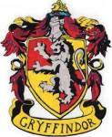 ((bold))Gryffindor((ebold)) Tapferkeit und Mut werden als typische Tugenden der Gryffindors hervorgehoben. Gründer: Godric Gryffindor Wappen: goldene
