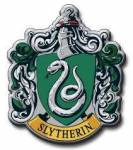 """((bold)) Slytherin ((ebold)) Die zielstrebigsten und ehrgeizigsten, aber vor allem """"reinblütigen"""" Schüler, die zum Erreichen ihrer Ziele auch ni"""