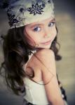 Name: Blue Melody Quill *Spitzname oder Deckname: Blue, Bluy, Mels, Lody, Water, Twin 1 Alter: 7 Geschlecht: weiblich Beruf/Universität/Schule: Schul