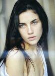 Name: Abigail DeWitt Spitzname: Abi, Abs(, Aki: Abi-Maus) Alter: 19 Geburtstag: 14.04.1998 Zimmer: 12, oben Aussehen: schwarzes langes Haar, dass ihr