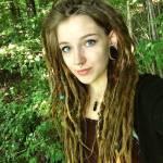 """((unli))Maroon((eunli)) Vorname: Leila Nachname: Maroon Rufname: Von ihren alten Kameraden wurde sie,, Maroon"""" oder,, Moon"""" genannt aber jet"""