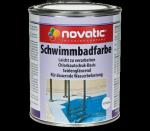 Wie viele Trockenschichtanstriche benötigt das Produkt Novatic Schwimmbadfarbe?