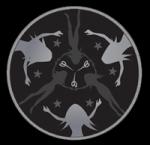 ((unli))Oberprima((eunli)) Dies ist das kontroversteste der vier Embleme. Fein gestickt in Gold und Silber lässt diese Darstellung der drei Schicksal