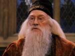 Wie heißt Professor Dumbledore mit vollständigem Namen und in welcher Reihenfolge?