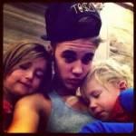Hat Justin Geschwister?