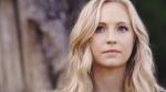 Mit wem ist Caroline kurz zusammen? (Staffel 1)