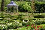 ((blue)) ((bold)) ((cur)) Das Internat (Außenbereich) ((ecur)) ((ebold)) ((eblue)) Schlossgarten: Der riesige, wunderschöne Schlossgarten ist verzie