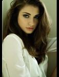Akxma's Charakter Name: Alice *Künstlername: - Geschlecht: weiblich Alter: 16 Hauptfach: Schauspielerin, Tänzerin Aussehen: braune leicht gewellte