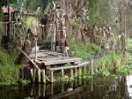 ((bold)) ((unli)) ((blue)) Die verfluchten Orte ((ebold)) ((eunli)) ((eblue)) -Die Puppeninsel Geschichte: Vor langer Zeit war diese Insel friedlich v