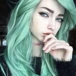 Mein 2 Chara: Name: Katie Alter:15 Geschlecht: weiblich Aussehen: bild Charakter: wird man sehen Rolle im RPG: Streberin Verliebt: noch nicht Beziehun