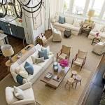 Ein helles geräumiges Wohnzimmer