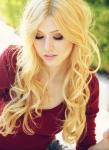 Name: Lavina Eltringham (Vina) Alter: 17 Aussehen: hellblondes, leicht gelocktes, etwa brustlanges Haar; dunkelgrüne, intelligente Augen mit hellen S