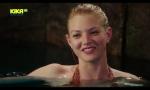 Überraschung: Rikky aus der vorgänger Serie H2O kommt in den letzten beiden Folgen der dritten Staffel vor.