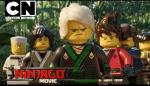 """Im Dschungel: Wu ist weg und die Ninja brauchen Garmadon um die Ultimativ- Ultimative Waffe zu suchen. Jay:""""Oh toll, wir werden sterben."""" Ll"""