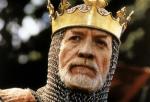 Name – Arthur Cynwrig von Pendragon Spitzname - // Titel – Eure Majestät/König von Avalon Alter – 49 Geburtstag – 30. Januar Beruf – Köni