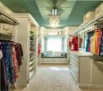 Welche Farben finden sich am ehesten in deinem Kleiderschrank wieder?