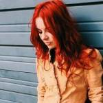 Vorname: Kate Elisabeth Anne Nachname: Wilson Geschlecht: Weiblich Alter: 19 Jahre Aussehen: rote, leicht gelockte, schulterlange Haare im Stufenschni