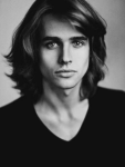 ((bold))Samuel Fields((ebold)) Geschlecht: männlich Alter: 24 Beruf: arbeitet in James' Fabrik Aussehen: (s.Bild) Charakter: charmant, freundlic