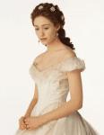 ((bold))Lily Deveraux((ebold)) *Titel: Lady Geschlecht: weiblich Alter: 19 *Beruf: James' Sekretärin Angewohnheiten: wichtige Papiere mehrmals a
