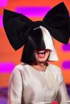 Wie hieß die Acid-Jazz-Band, in der Sia Sängerin war?