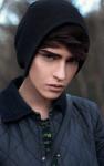 Name: Sylvain Phillipe *Spitzname: Vain, Phil Alter: 18 Geschlecht: männlich Tochter/Sohn von: Belle und das Biest. Magische Fähigkeiten: Kann Gedan