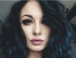 NAME: Cassandra Hermina Ayala Hunter ALTER: 15 JAHRGANG: 5 HAUS: Slytherin CHARAKTER: kühl, gemein, kreativ schlau, ironisch/sarkastisch, sportlich A