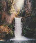 ((cur)) //Orte// ((ecur)) ((bold)) Der Wasserfall ((ebold))