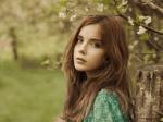 ((teal))((big))Belle((eteal))((ebig)) Name: Belle RainForest Alter: 23 Charakter: nett, hilfsbereit, freundlich, manchmal gestresst, jung Reitstunden: