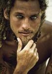 ((bold))Ryan Lewis((ebold)) Titel: // Alter: 23 Charakter: chillig, freundlich, nett Unterrichtsfächer: Italienisch, Geschichte, Poetry Slam, Leichta