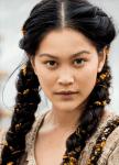 ((unli))((bold))Mina Tikaani((ebold))((eunli)) Alter: 19 Geschlecht: weiblich Stamm: Wikinger; Ursprünglich stammt ihre Familie aus einem Inuit-Stamm