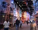 Hagrid und Harry gehen in die Winkelgasse