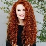 Name: Isabella Rufname: Bella (Von ihren Freunden) B (von Isabelle) Aussehen: sie hat lange wellige rote Haare und tiefe braune Augen Hobbys: klettern